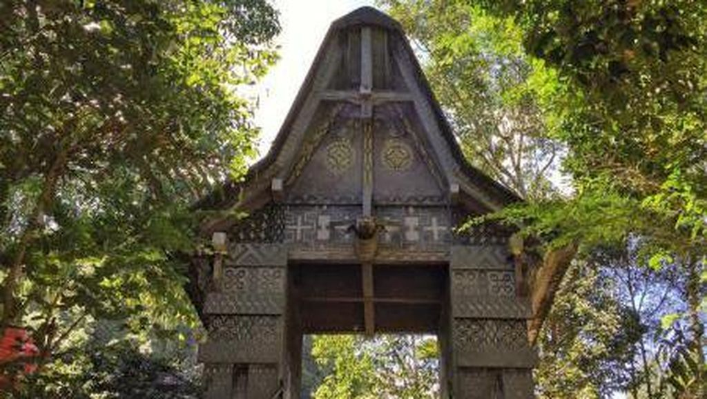 Foto Nuansa Mistis Makam Londa di Tana Toraja