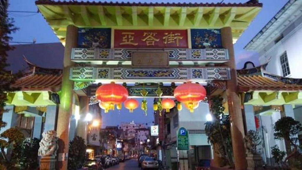 Potret Malam Syahdu di Pecinan Kuching