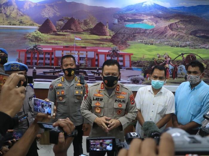 Kapolda Nusa Tenggara Timur (NTT) Irjen Lotharia Latif usai pertemuan dengan KPU-Bawaslu setempat dan Orient P Riwu Kore.