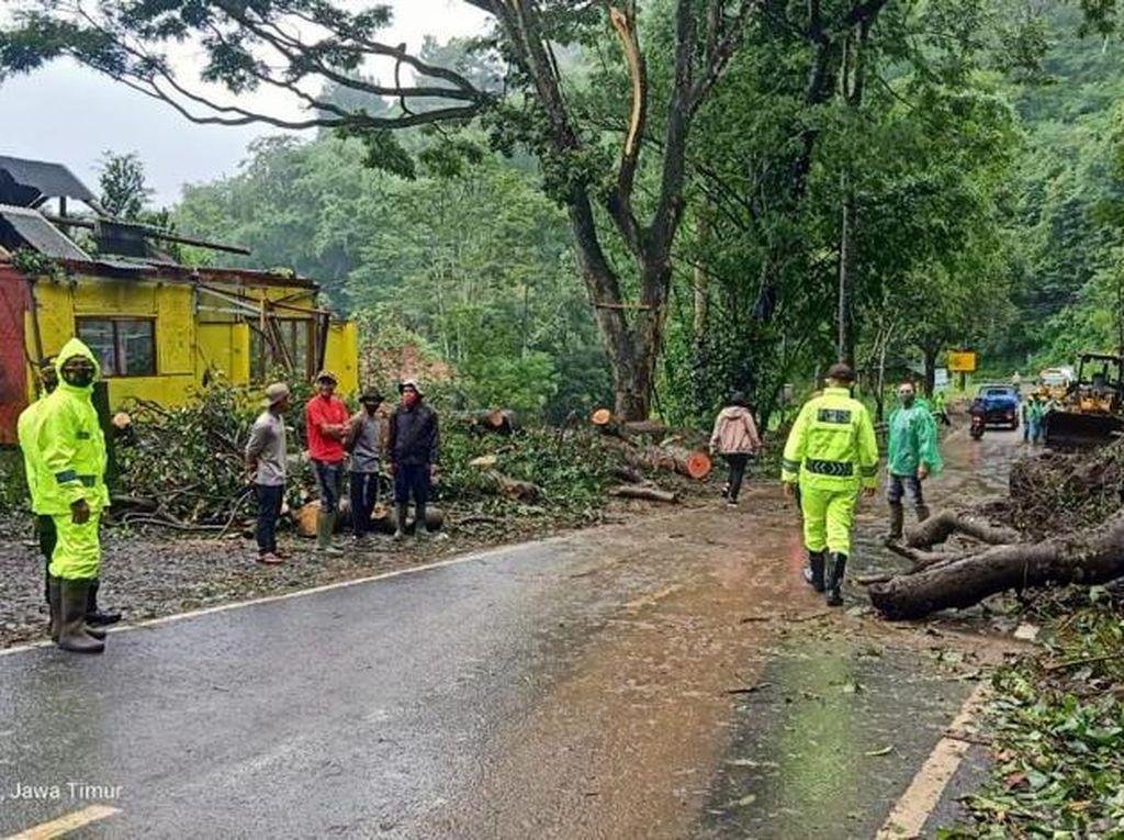 Longsor Teratasi, Jalur Malang-Kediri Kembali Bisa Dilewati