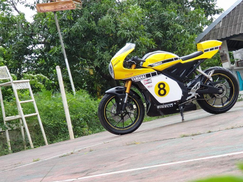 Modifikasi Yamaha R15 Jadi Neo Cafe Racer Ala Tunggangan Kenny Roberts