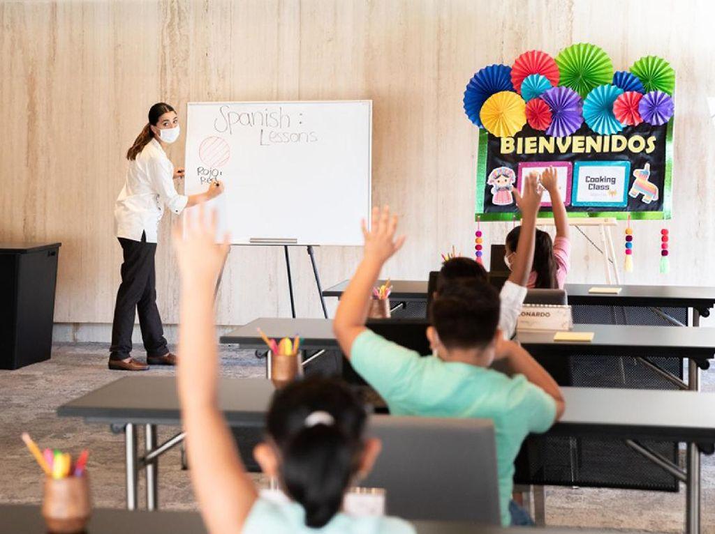 Hotel Mewah Tawarkan Belajar Online dan Paddle Board Setelah Sekolah