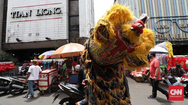 Kawasan perniagaan Pasar Pancoran Glodok, Jakarta, Selasa, 2 Februari 2021. CNNIndonesia/Safir Makki