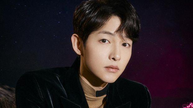 Song Joong-ki dalam film Space Sweepers.