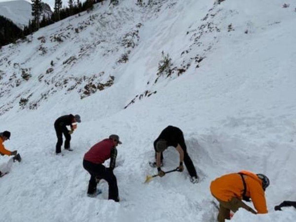Hilang Saat Longsor, Jasad 3 Pemain Ski Ditemukan 6 Meter di Bawah Salju