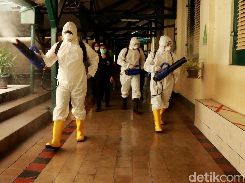 Tim Detoktaminasi BIN Sasar Sekolah di Bandung untuk Disinfeksi Corona