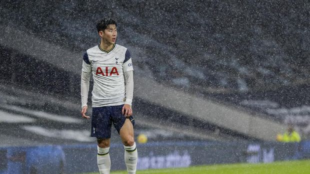 Tottenham's Son Heung-min during the English Premier League soccer match between Tottenham and Chelsea at the Tottenham Hotspur Stadium in London, England, Thursday, Feb. 4, 2021. (Kirsty Wigglesworth/Pool via AP)