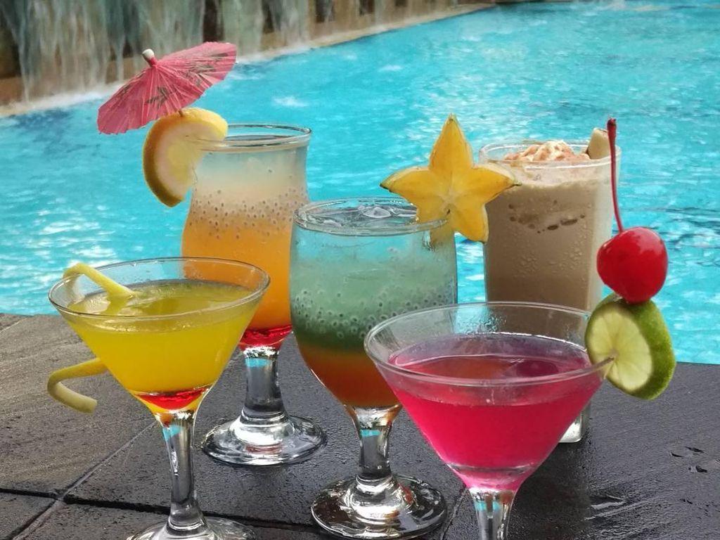 5 Resto Pinggir Pantai Ini Tawarkan Suasana Romantis Buat Malam Mingguan