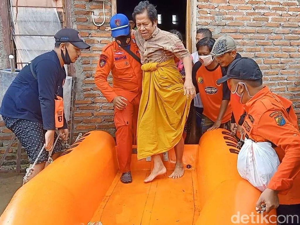 Banjir di Kota Pekalongan Rendam 22 Kelurahan, 688 Orang Mengungsi