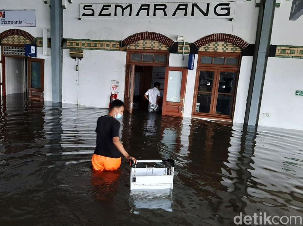 BMKG Ungkap Penyebab Banjir di Wilayah Semarang