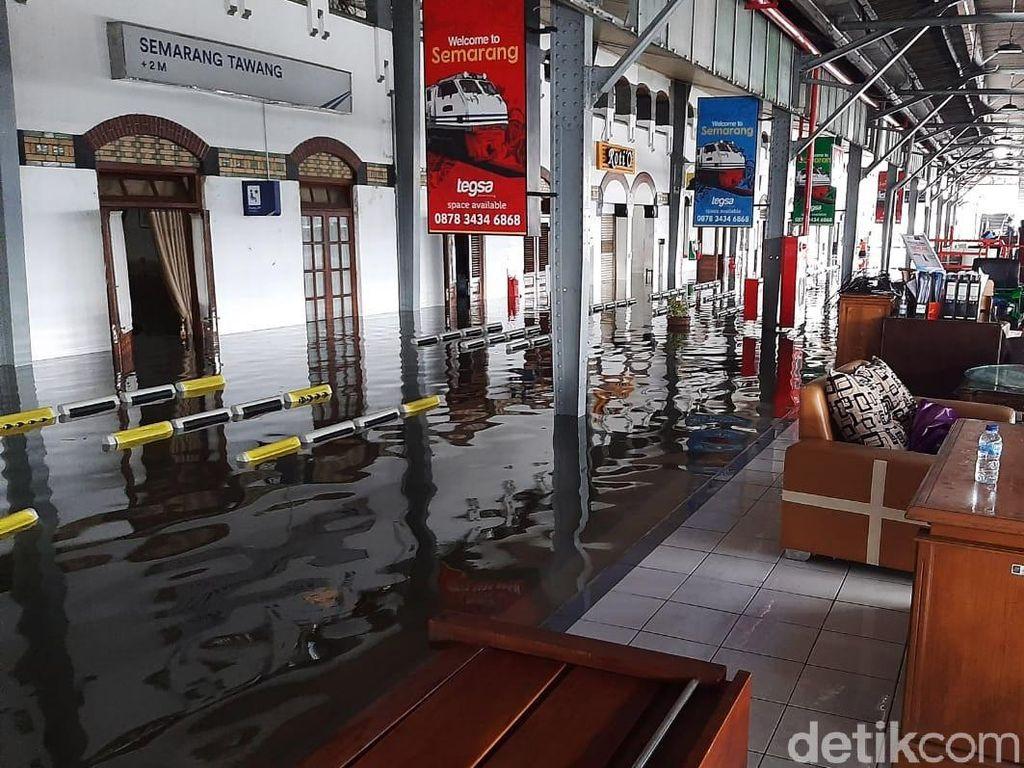 Stasiun Semarang Tawang Terendam Banjir, Sejumlah Rute KA Diubah