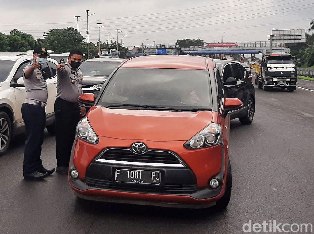 Ganjil Genap Bogor, Sampai Siang 3.200 Mobil dari Arah Tol Jagorawi Diputar Balik