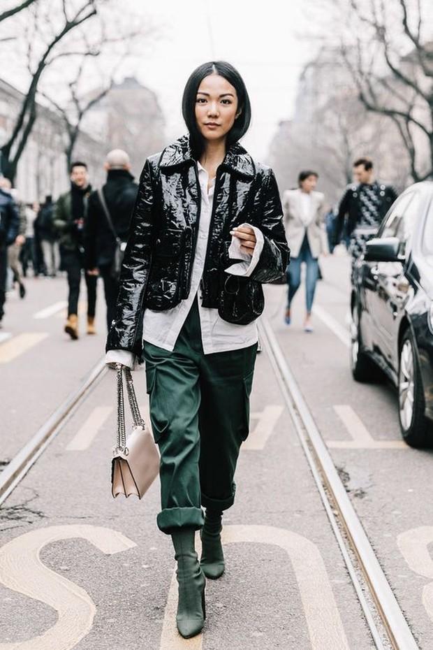 Leather Jacket cocok untuk outfit di musim hujan (pinterest.com/kellynlegath)