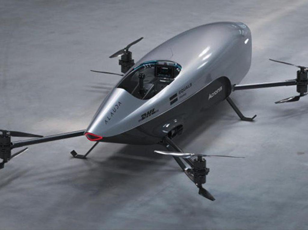 Kerennya Mobil Balap Terbang Pertama di Dunia