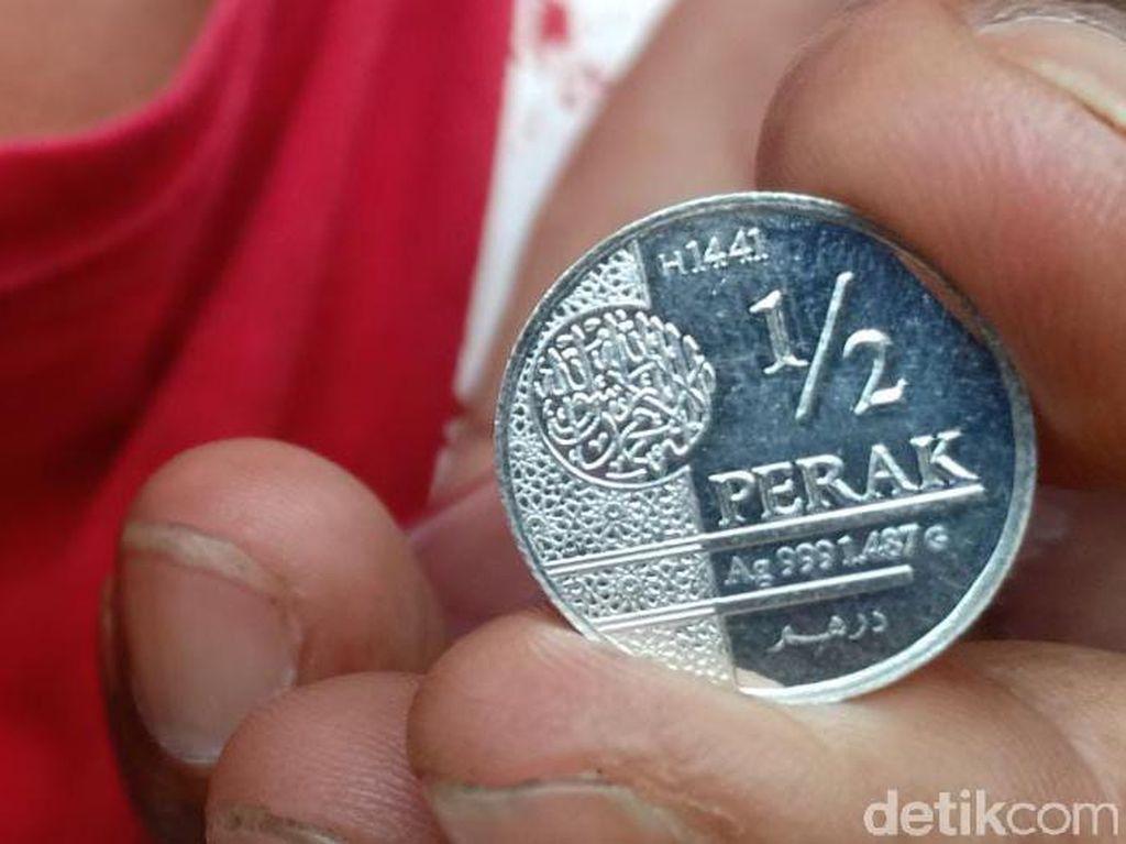 Ini Penampakan Dinar-Dirham Warga yang Setuju Pembangunan Pasar Muamalah Madiun