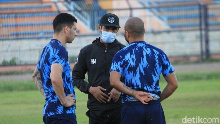 Pelatih Persela Lamongan, Nil Maizar, masih menunggu izin resmi penyelenggaraan Shopee Liga 1 2021.