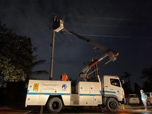 PLN Pulihkan 473 Gardu Listrik Pascabanjir di Jawa Barat
