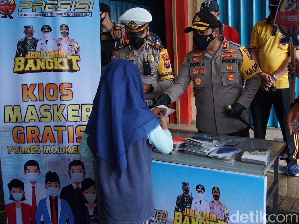 Polisi Buat Kios Masker Gratis di Pasar Tradisional Demi Mojokerto Zona Hijau