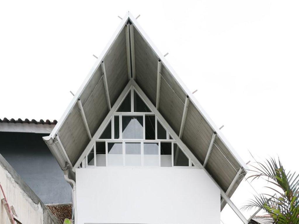 Rumah Mungil di Kawasan Padat Kebon Jeruk Masuk Nominasi Penghargaan Dunia
