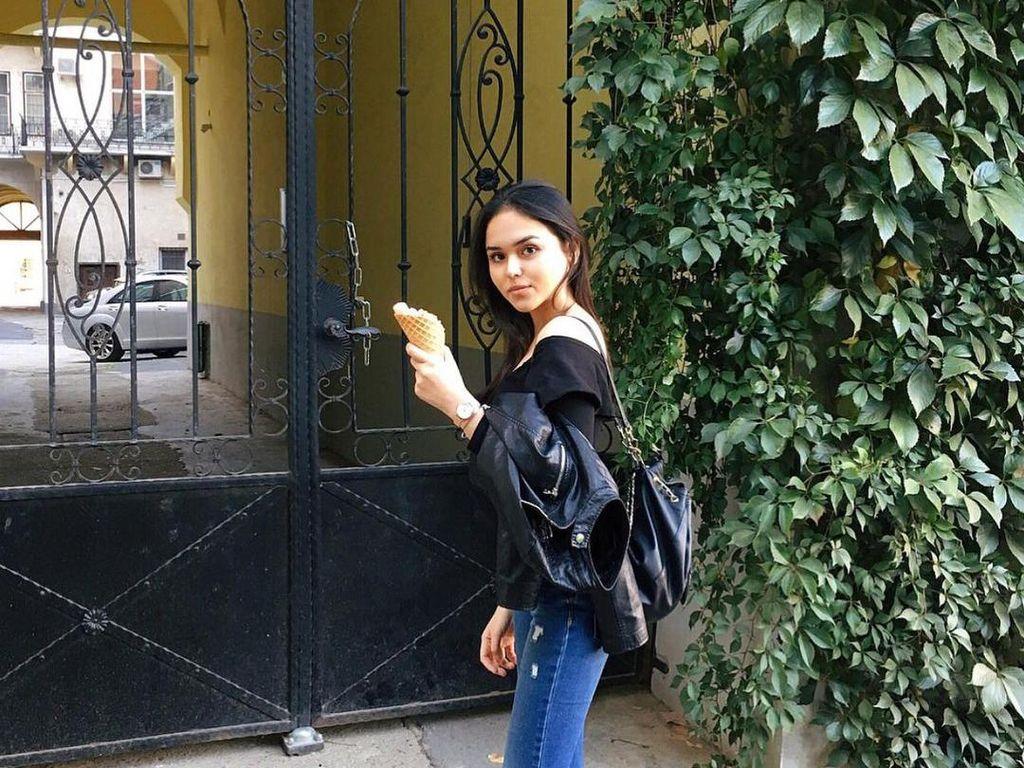 Serunya Edelenyi Laura saat Makan Es Krim dan Ngopi Cantik