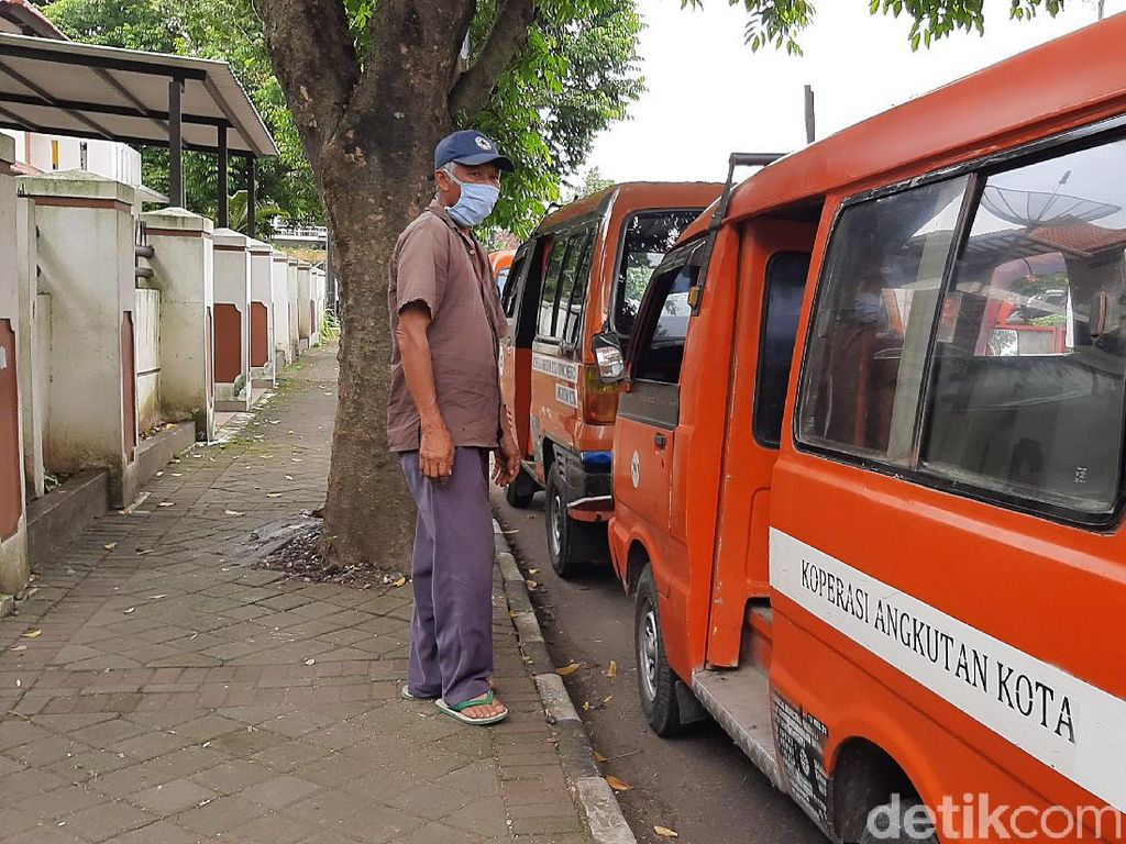 Curahan Hati Sopir Angkot-Pekerja Bangunan saat Jateng di Rumah Saja