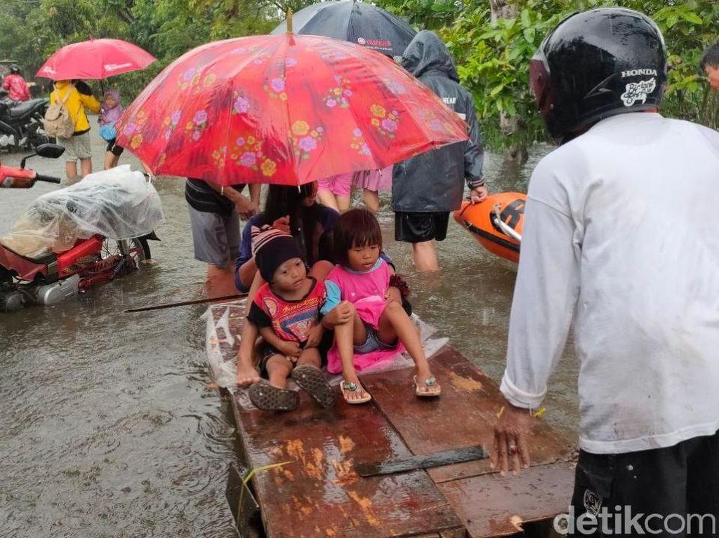 Banjir di Pekalongan Makin Tinggi, Pengungsi Bertambah Jadi 960 Orang