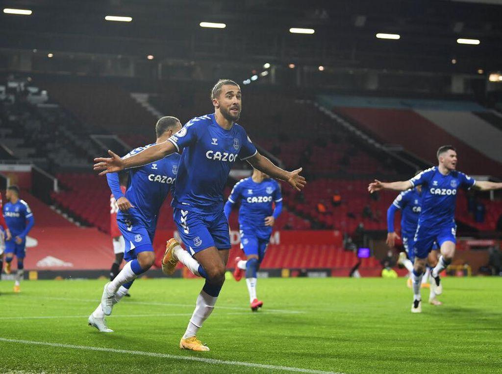 Ketika Calvert-Lewin Membungkam Old Trafford
