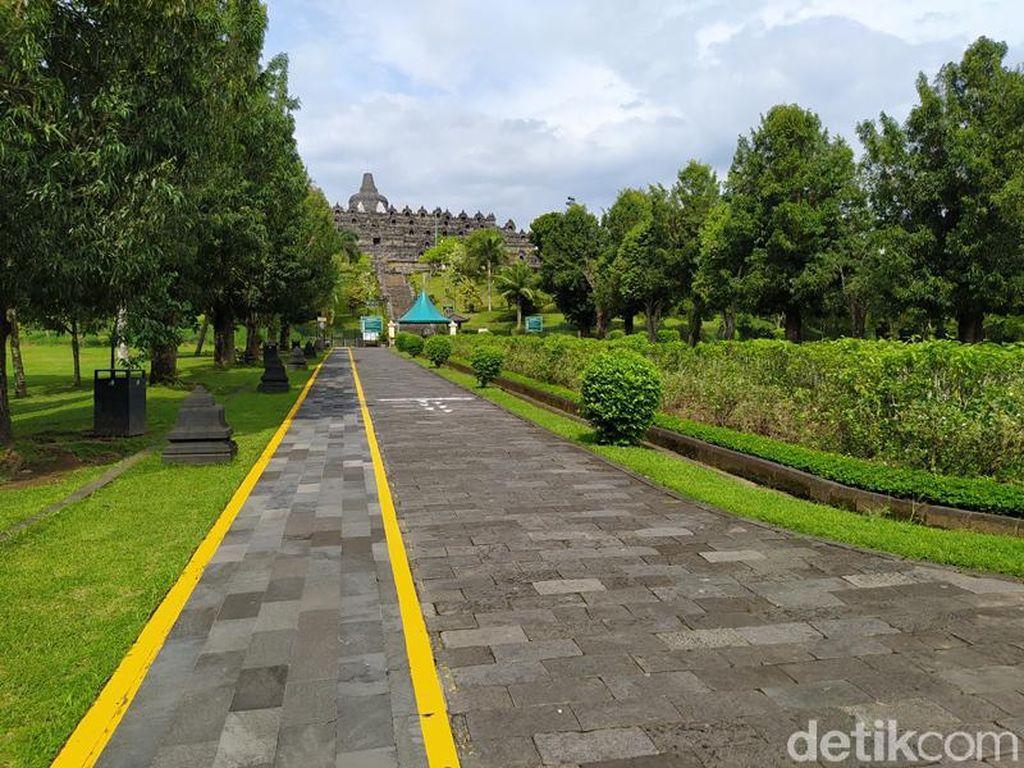 Foto: Suasana Sepi Taman Wisata Candi Borobudur di Akhir Pekan