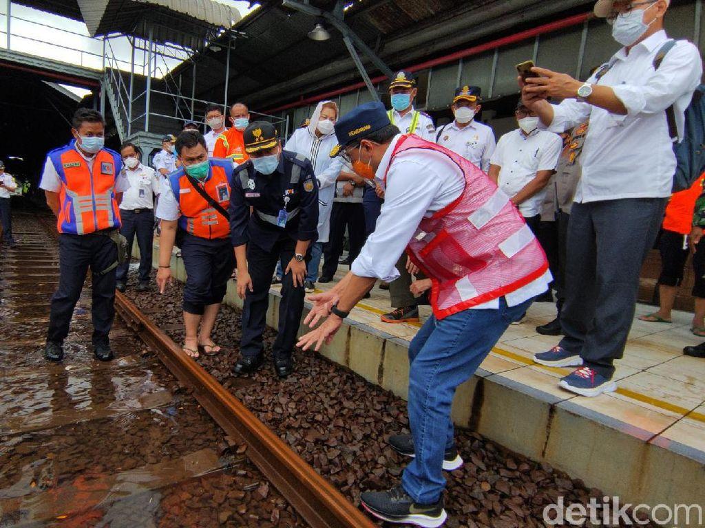 Menhub Cek Bandara dan Stasiun Tawang Semarang yang Tergenang Banjir