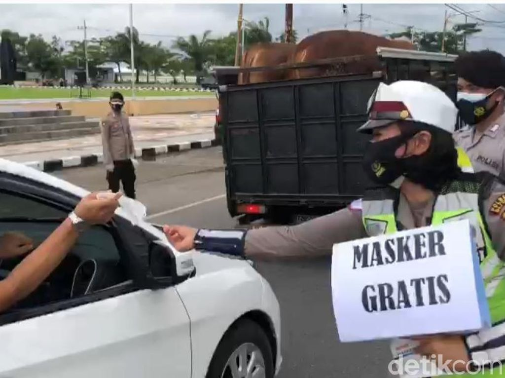 Polisi Blitar Masif Rapid Antigen Acak untuk Pengendara di Kawasan Zona Hitam