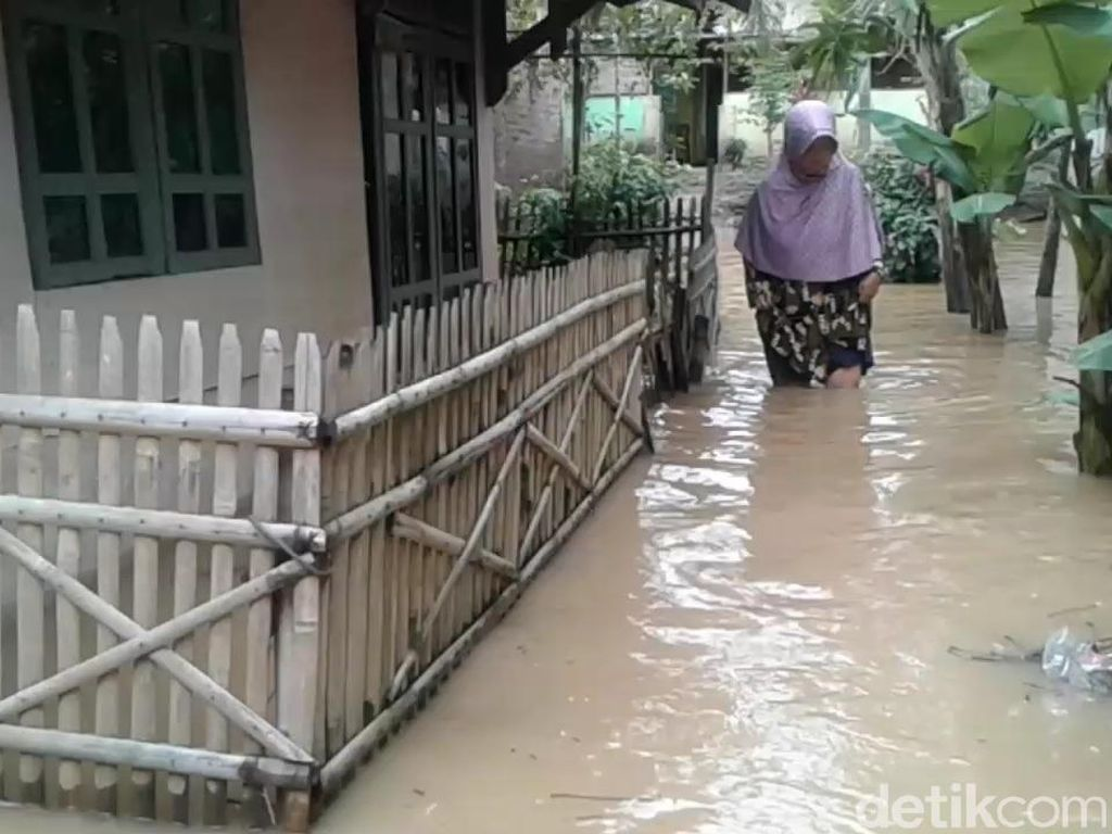 Sungai Ciasem Meluap, Puluhan Rumah di Subang Terendam Banjir