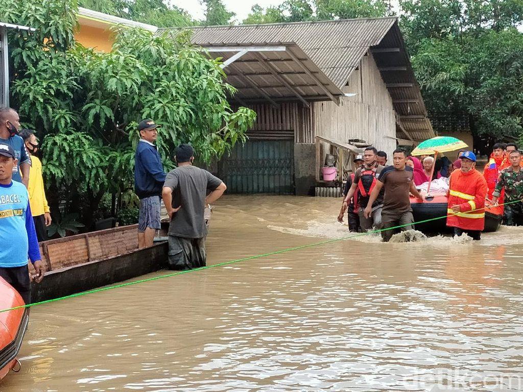 Banjir di Majalengka, 4.000 Jiwa Terdampak-1 Warga Meninggal