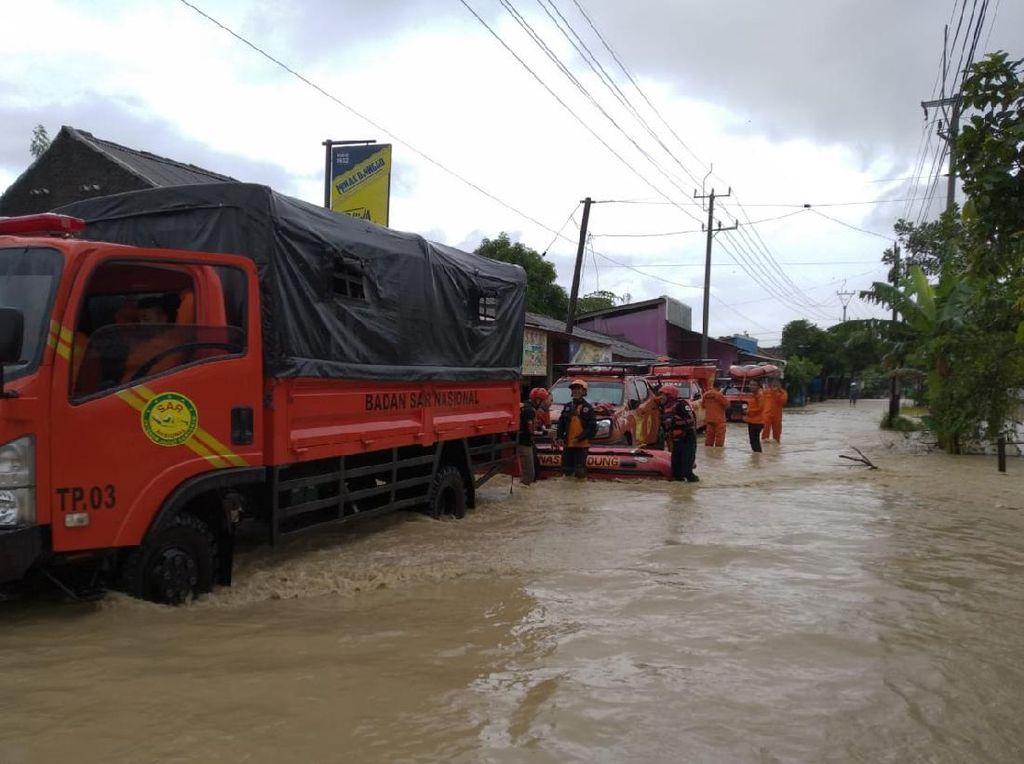 Sungai Meluap dan Rob, 8 Kecamatan di Cirebon Terendam Banjir