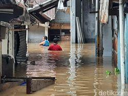 Polisi Jawab Munarman Soal Banjir: Silakan Bantu, Jangan Pakai Atribut FPI