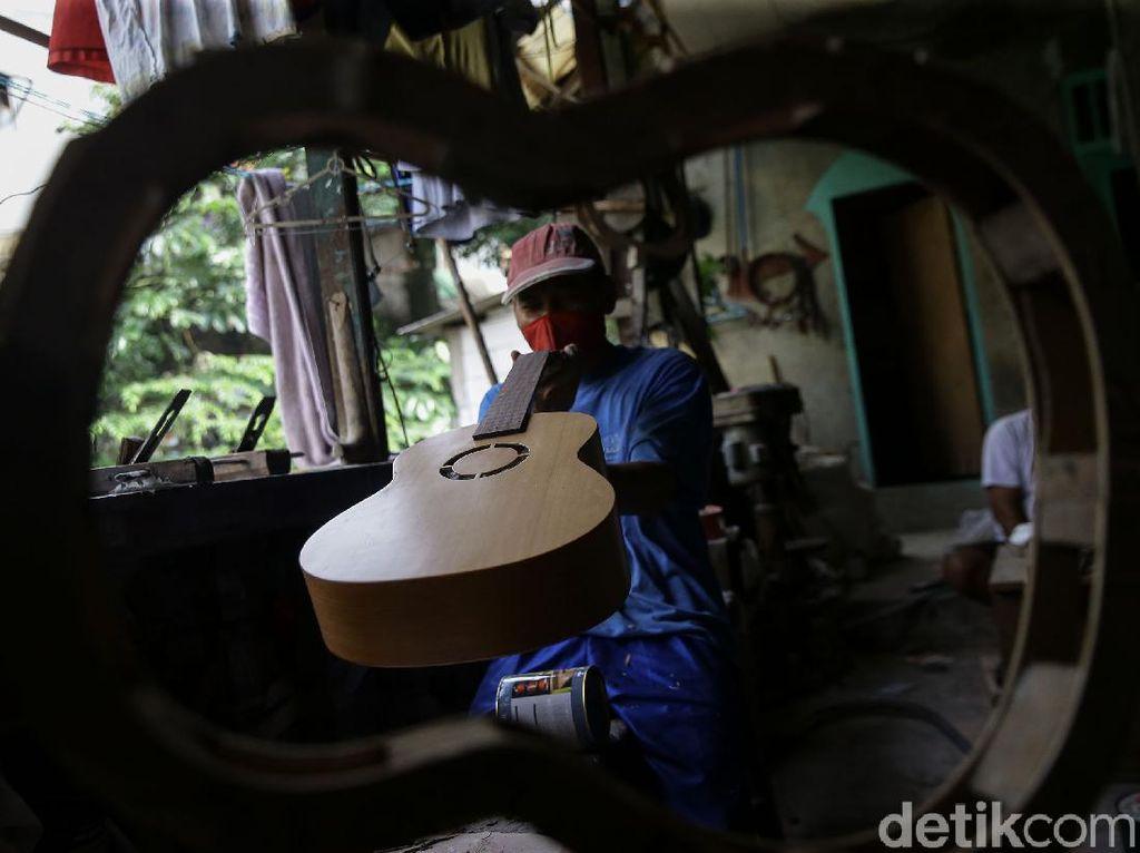 Bisnis Servis Gitar Masih Menggiurkan Meski Pandemi