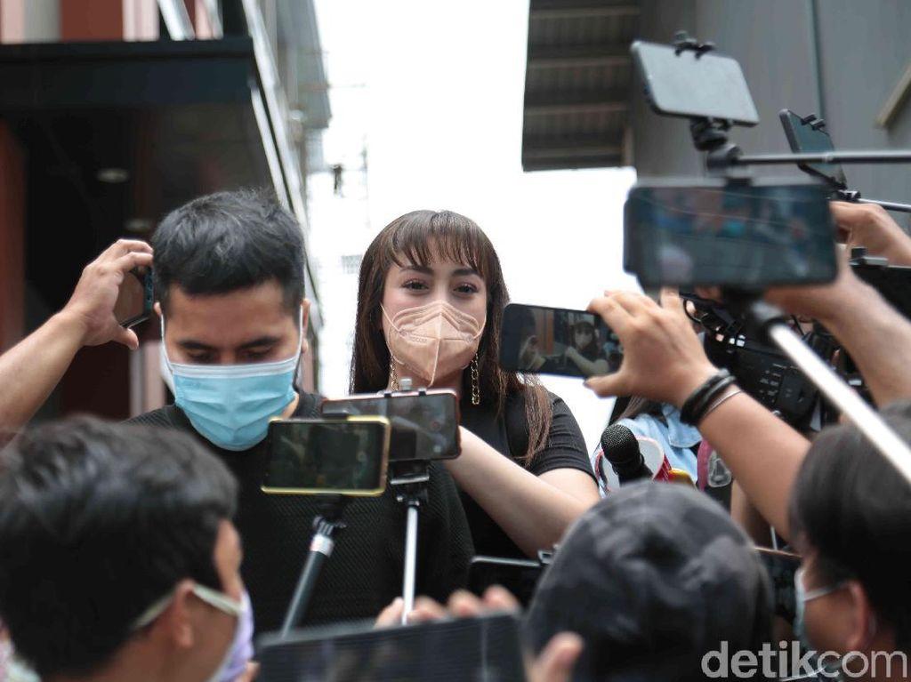 Celine Evangelista Minta Maaf ke Kalina Usai Makan Bareng Vicky Prasetyo