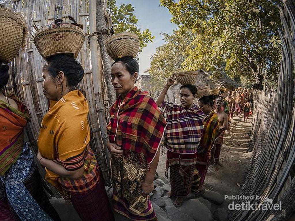 Ini Tradisi Maulid Lombok yang Jarang Orang Tahu