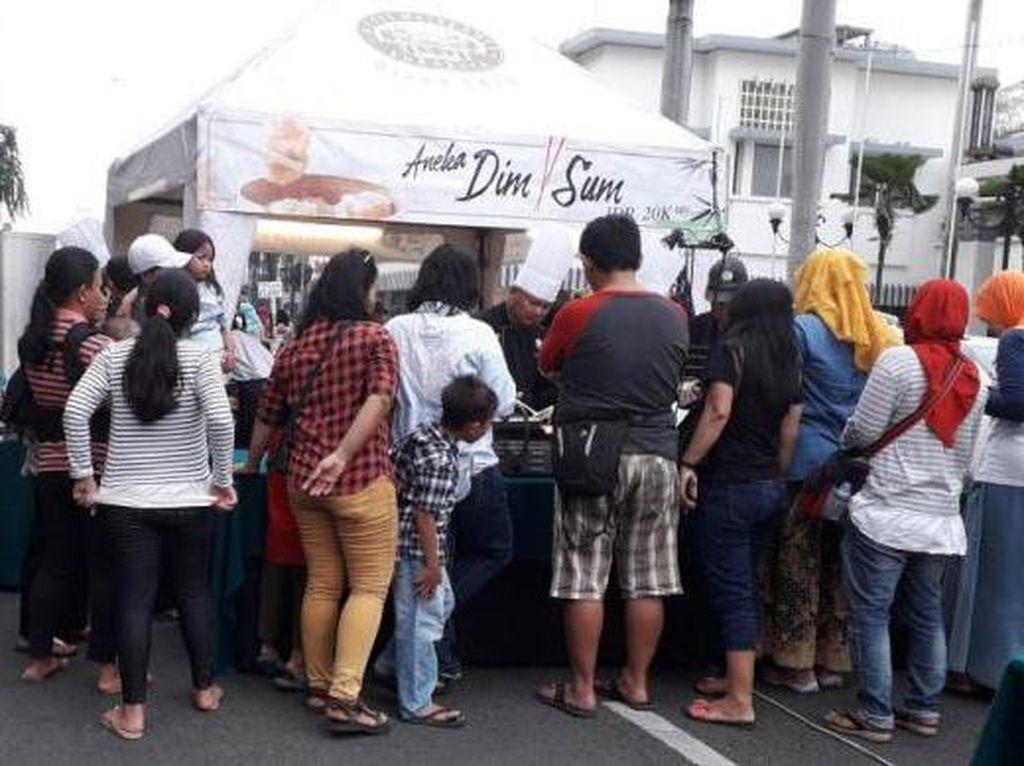 Nyam! Berburu Kuliner di Festival Mlaku-mlaku nang Tunjungan