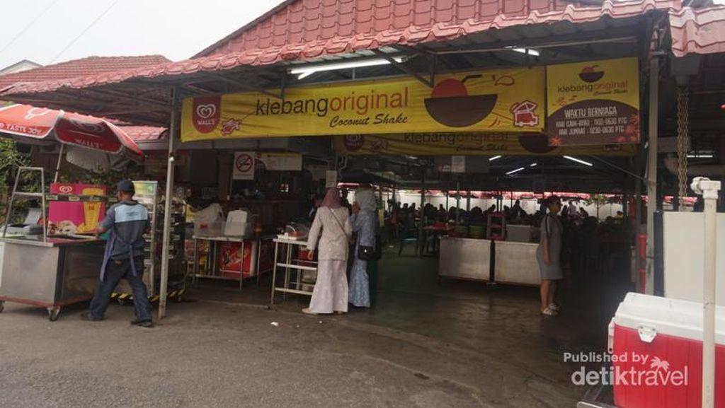 Panas Begini, Cocoknya Minum Coconut Shake di Melaka
