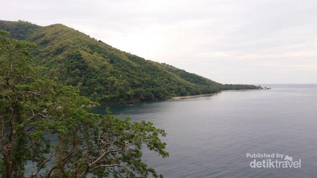 Pantai di Sulawesi Barat Ini Mirip Pulau di Film Spongebob