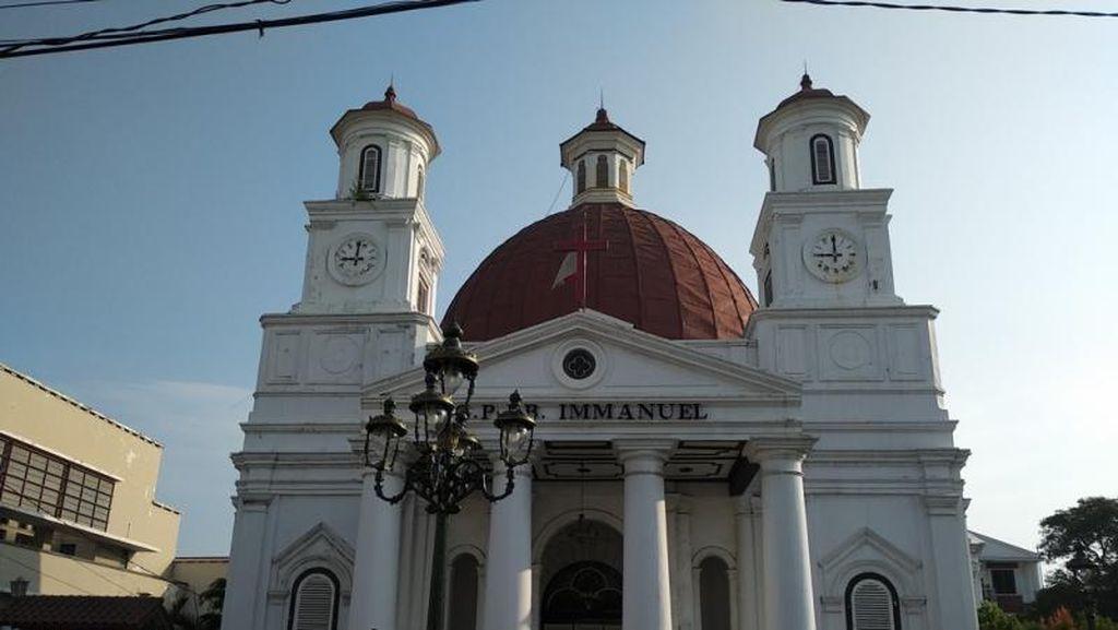 Tua Tak Menua Malah Makin Memesona, Little Netherland Semarang