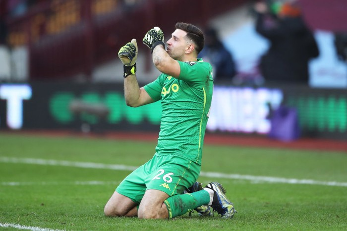 BIRMINGHAM, ENGLAND - FEBRUARY 06: Emiliano Martinez of Aston Villa celebrates after the Premier League match between Aston Villa and Arsenal at Villa Park on February 06, 2021 in Birmingham, England. Sporting stadiums around the UK remain under strict restrictions due to the Coronavirus Pandemic as Government social distancing laws prohibit fans inside venues resulting in games being played behind closed doors. (Photo by Nick Potts - Pool/Getty Images)