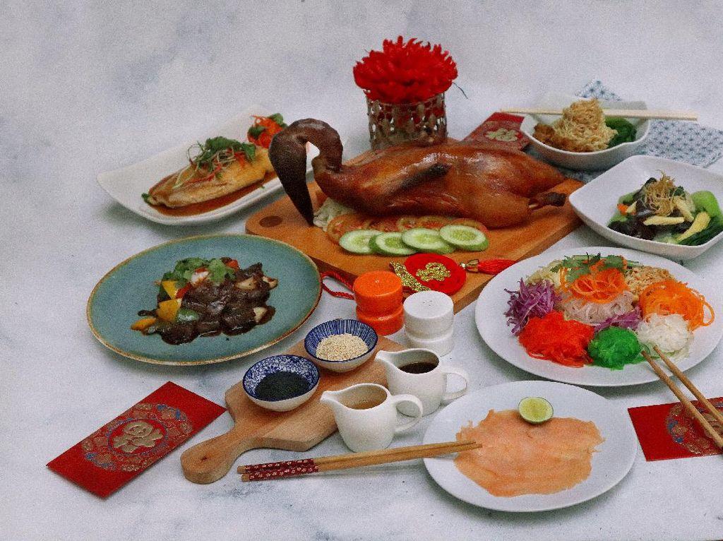 Rayakan Imlek dengan Lezatnya Hidangan di HARRIS Suites Puri Mansion