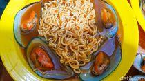 Menjajal Kuliner Hits Indomie Kerang di Jakarta Selatan