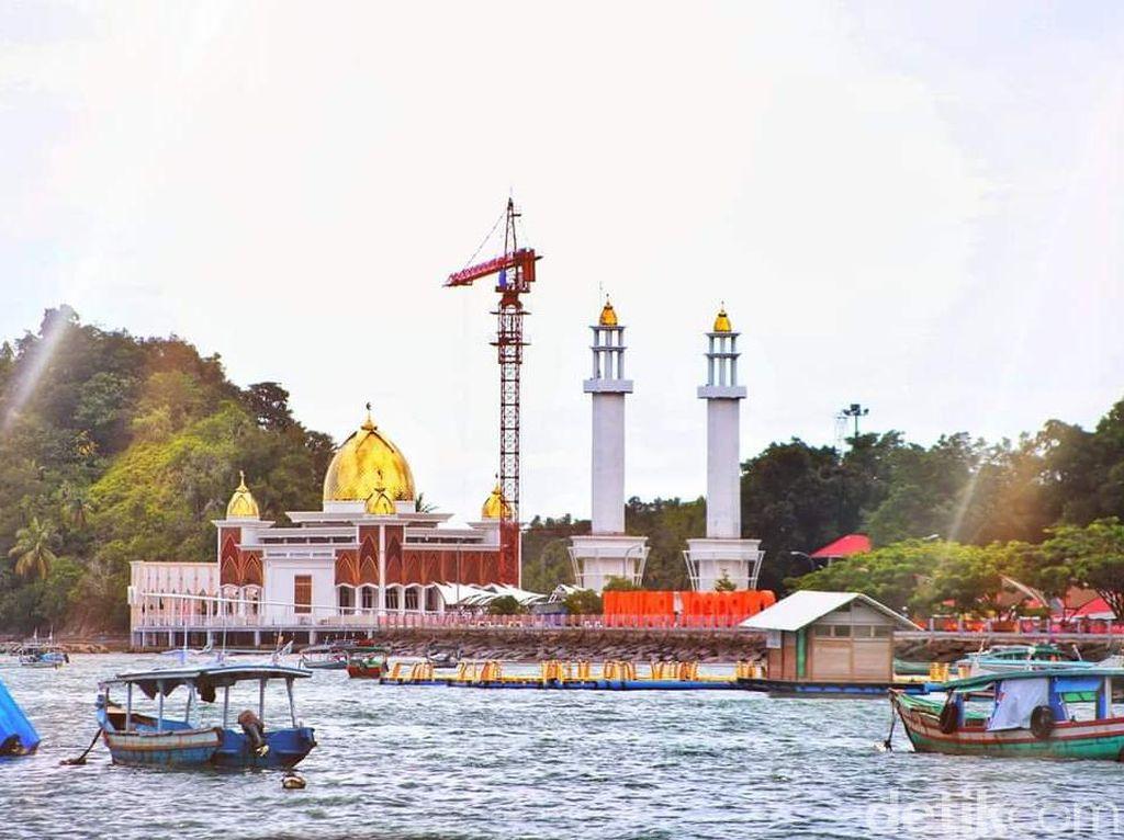 Mengenal Masjid Terapung di Painan Sumbar yang Sempat Viral