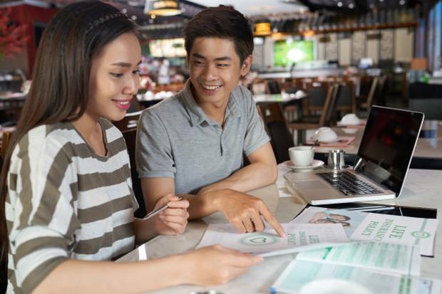 kegiatan produktif bareng pacar yaitu ngerjain tugas bareng/freepik.com