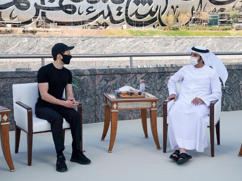 Sosok Pangeran Tampan Dubai yang Banggakan Telegram