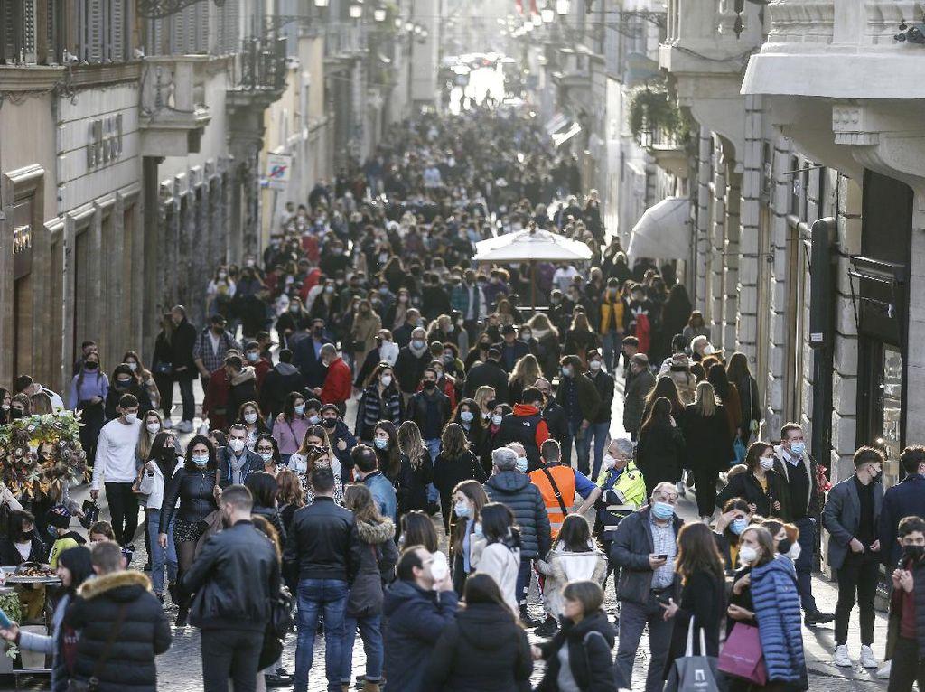 Pembatasan Melonggar, Warga Italia Padati Jalanan Lagi