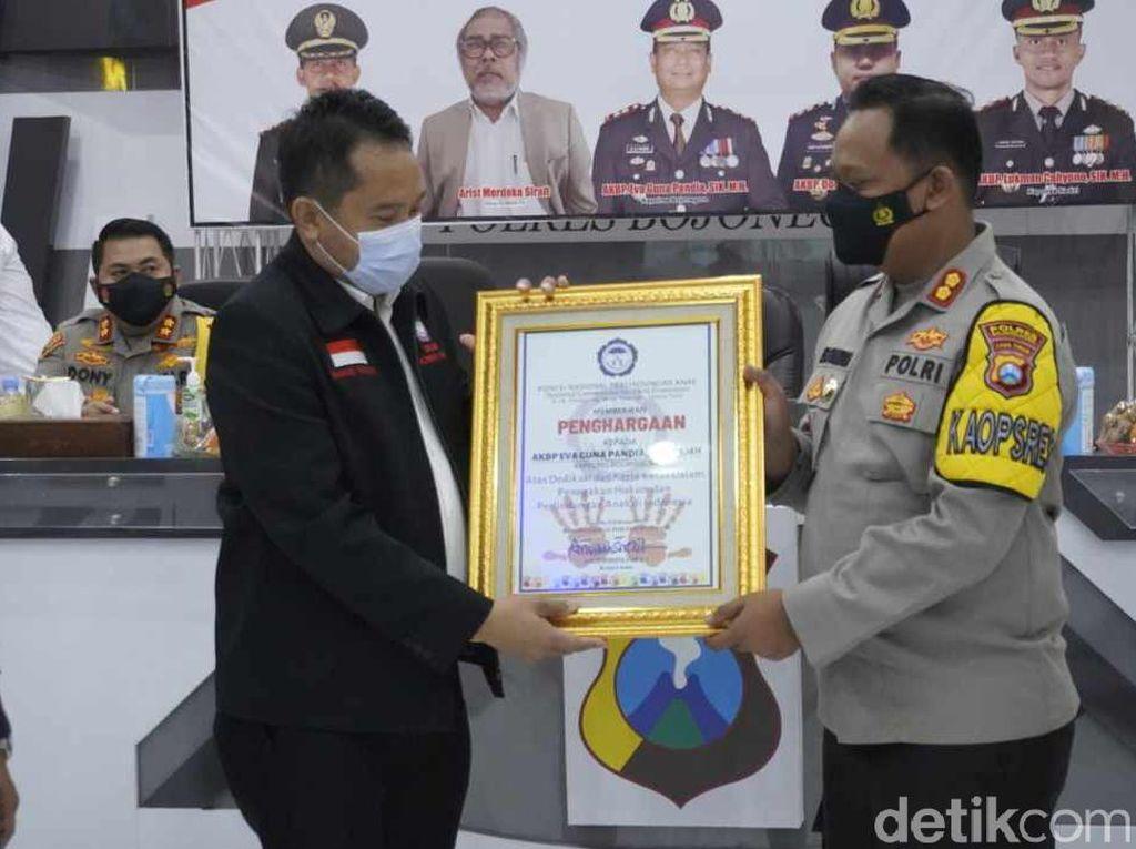 Polres Bojonegoro Terima Penghargaan dari Komnas PA