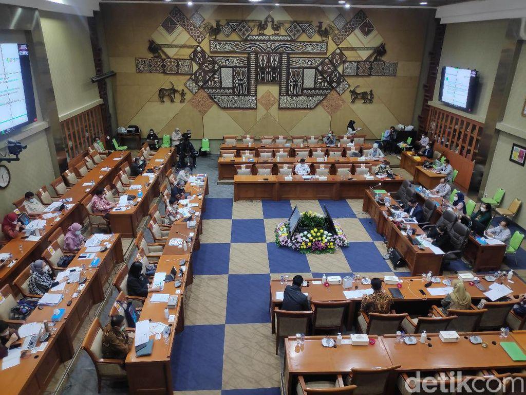 Momen Komisi IX DPR Persoalkan Absennya Menkes di Rapat